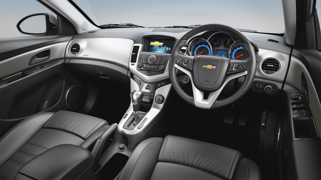 chevrolet cruze sedan interior picture gallery chevrolet india. Black Bedroom Furniture Sets. Home Design Ideas