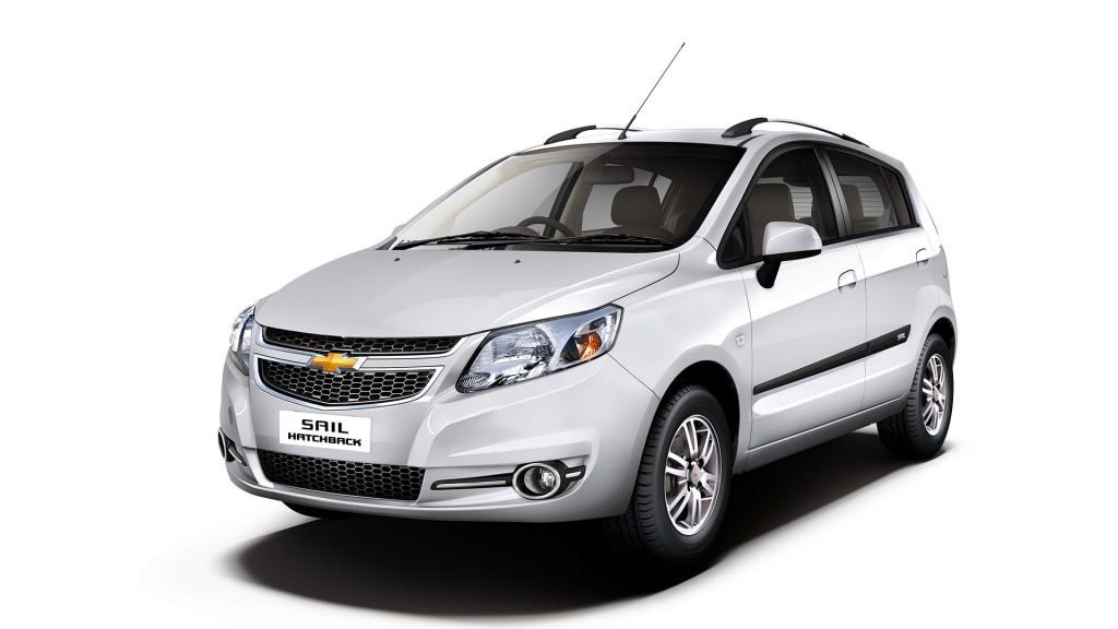 Chevrolet SAIL Hatchback Colour Summit White